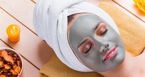 پاک کننده برای پاکسازی پوست